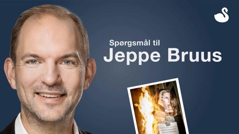 Jeppe Bruus skylder svar i sagen om brændende dukke